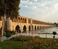 Visit Si-o-se-pol in Iran